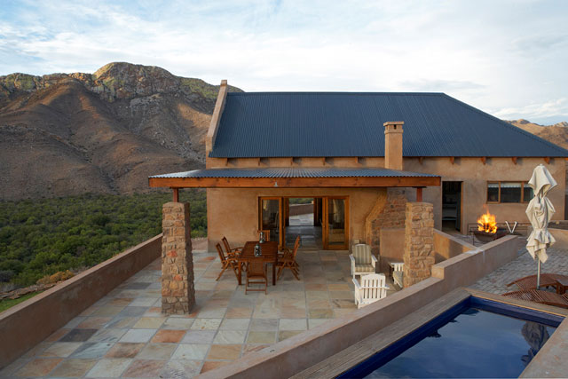 Prince albert accommodation self catering karoo western for Farm style houses south africa